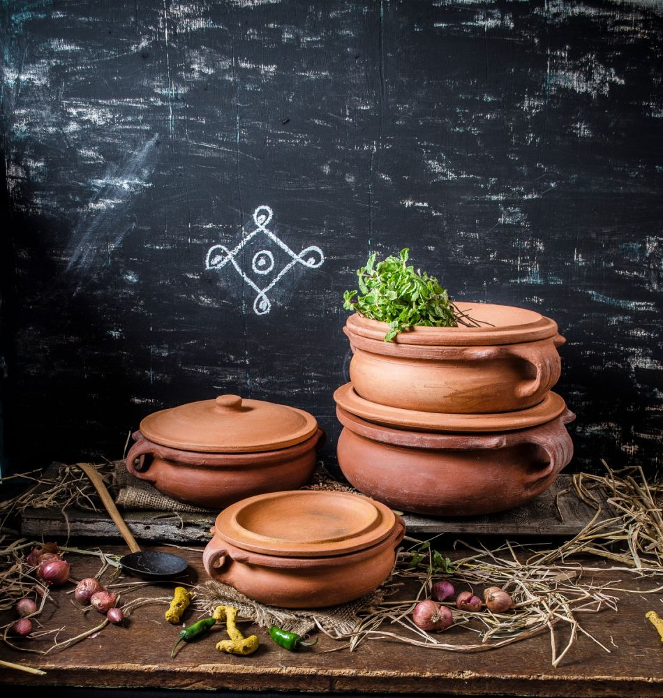Clay curry Pots